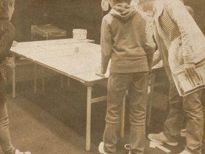 カーリングゲームをしている写真